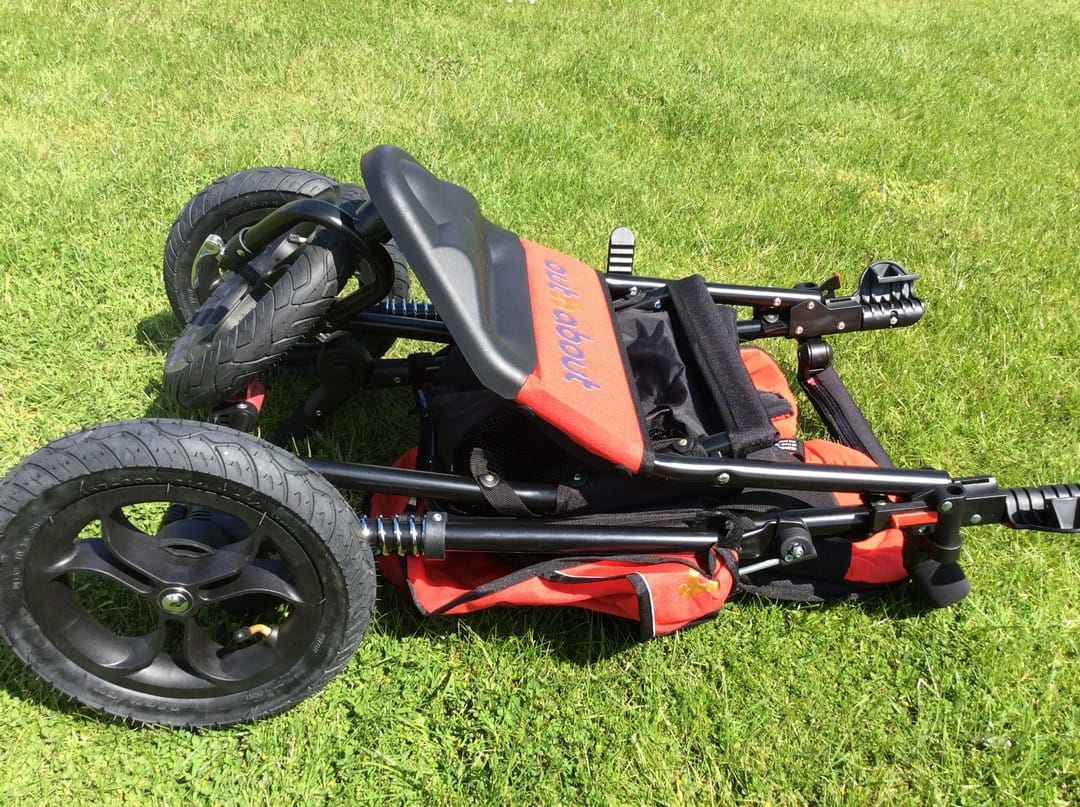 out n about nipper v4 review