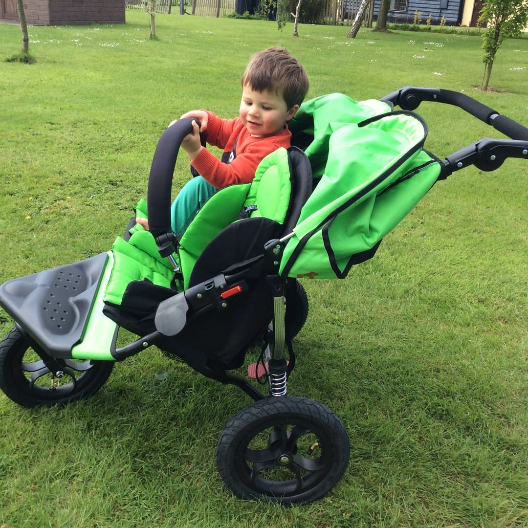 Out n About Nipper V4 Double with 'elephant' folding ears and removable bumpber bar