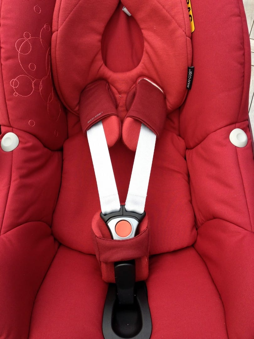Maxi-Cosi Pebble Car Seat with headrest and infant insert