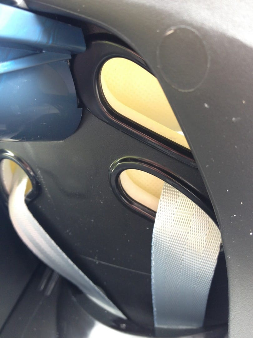 Maxi-Cosi CabrioFix harness adjustment