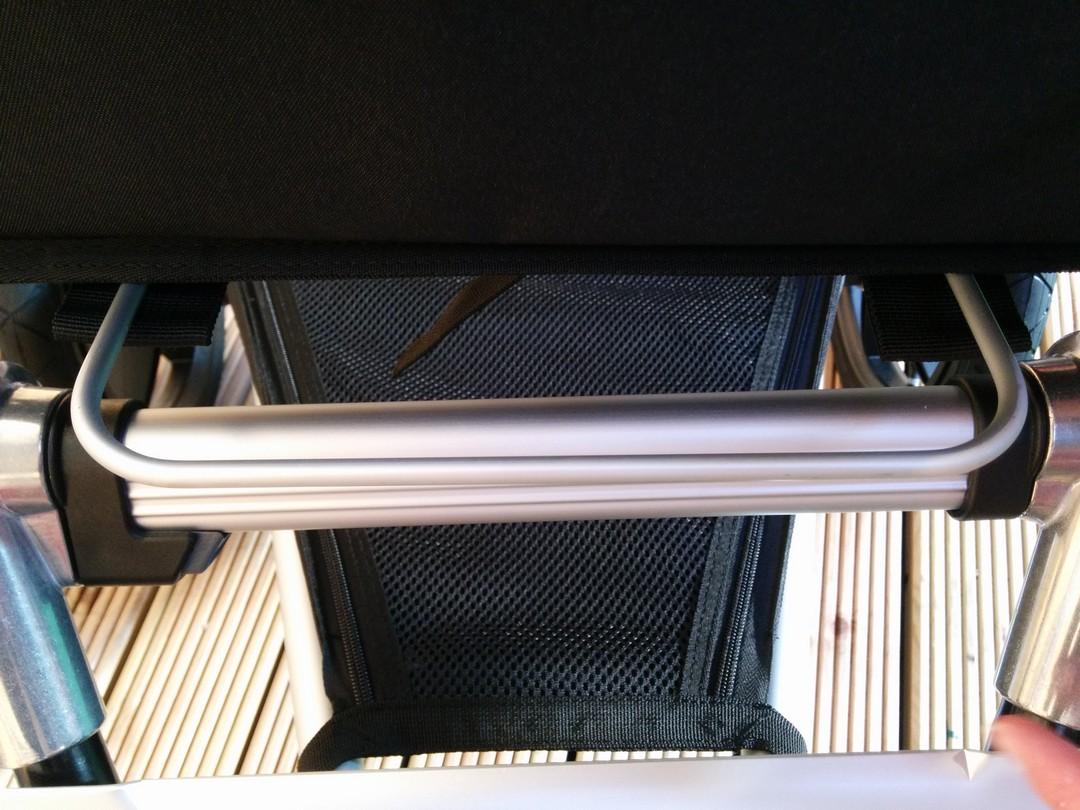 Adjustable footrest extended