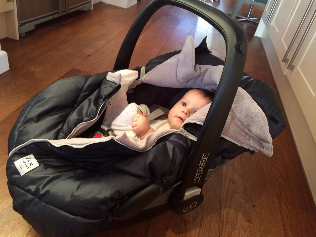 7am Enfant Car Seat Cocoon Unzipped