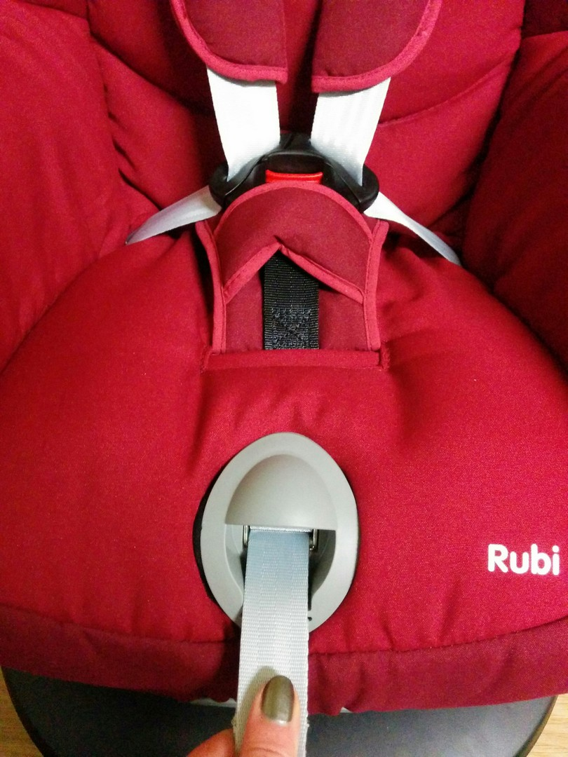One pull adjustment strap