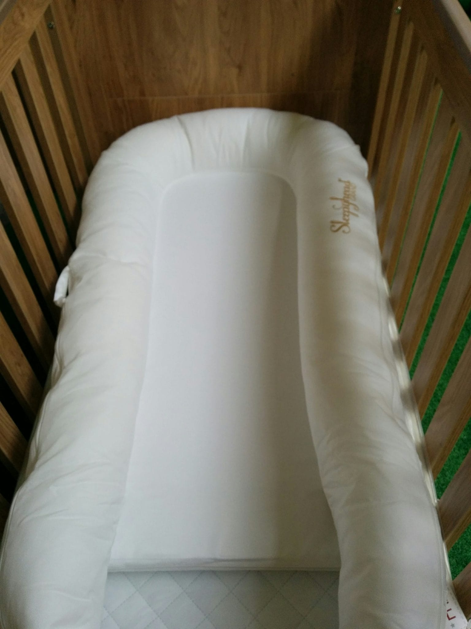 Sleepyhead Grand Baby Pod as in crib insert