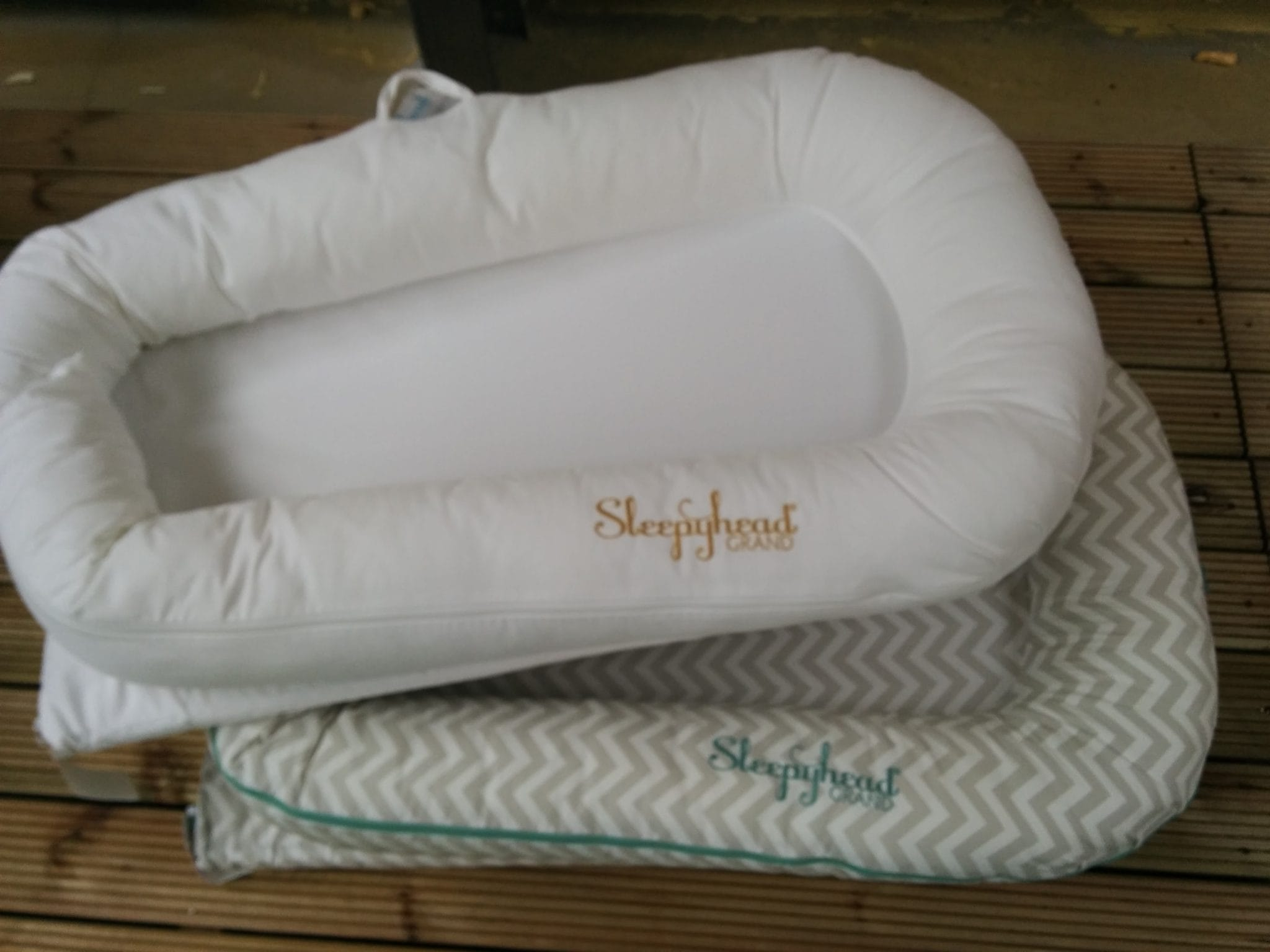 Sleepyhead Grand Baby Pod with replacement cover