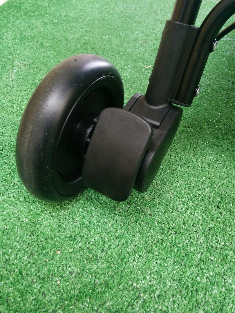 Rear wheels of the Mountain Buggy Nano v2