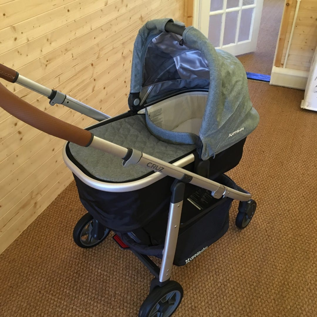 Cruz 2017 - with carrycot attached (sold separately)