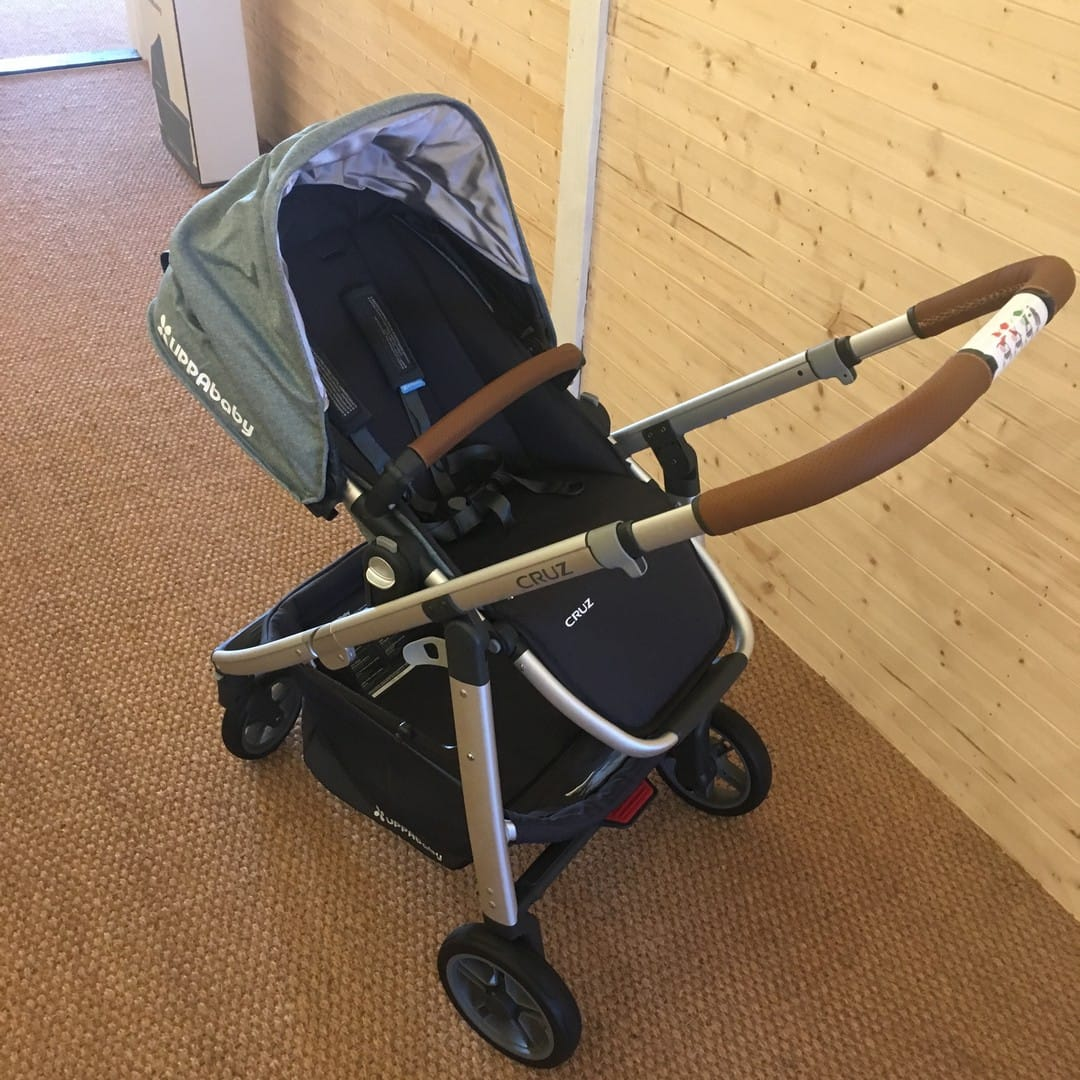 UPPAbaby Cruz 2017 Pushchair - seat rearward facing