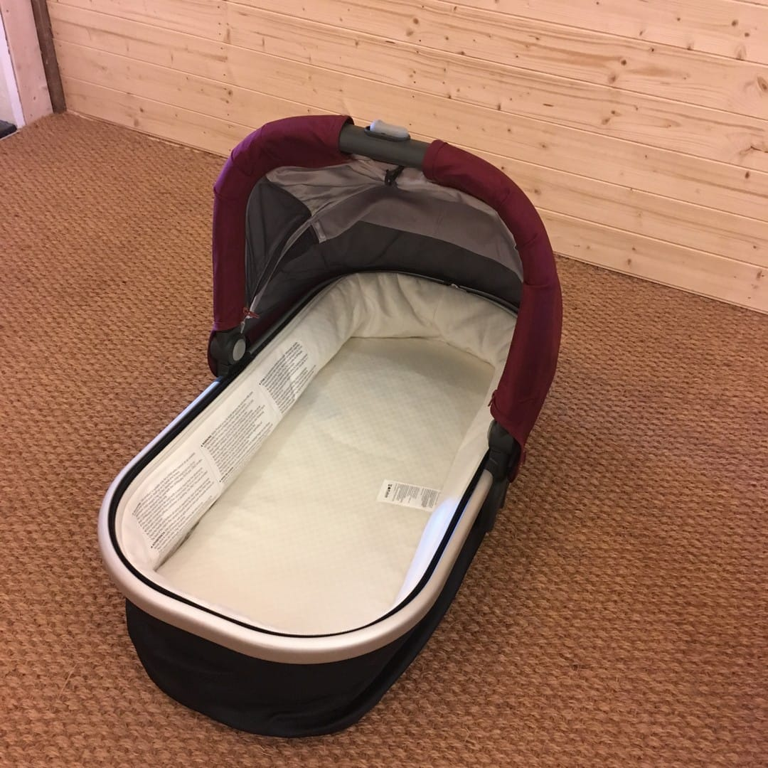 Carrycot with zip out liner removed