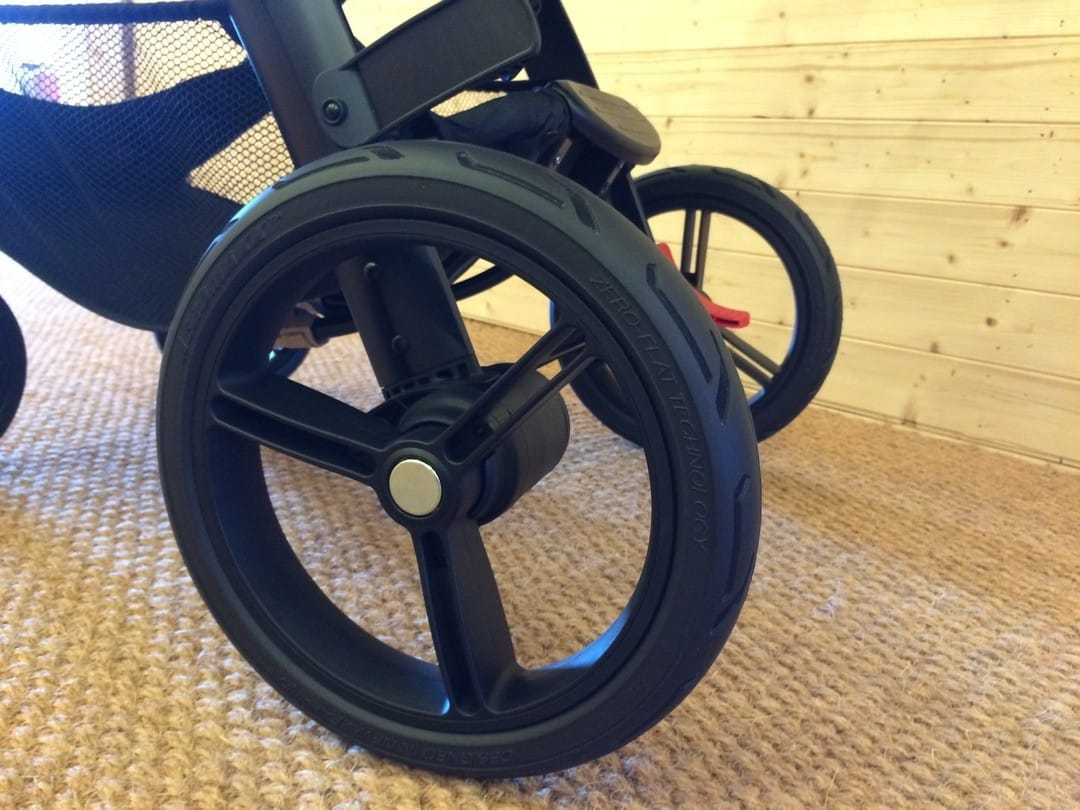 Rear tyres of the Mountain Buggy Cosmopolitan Luxury Pushchair