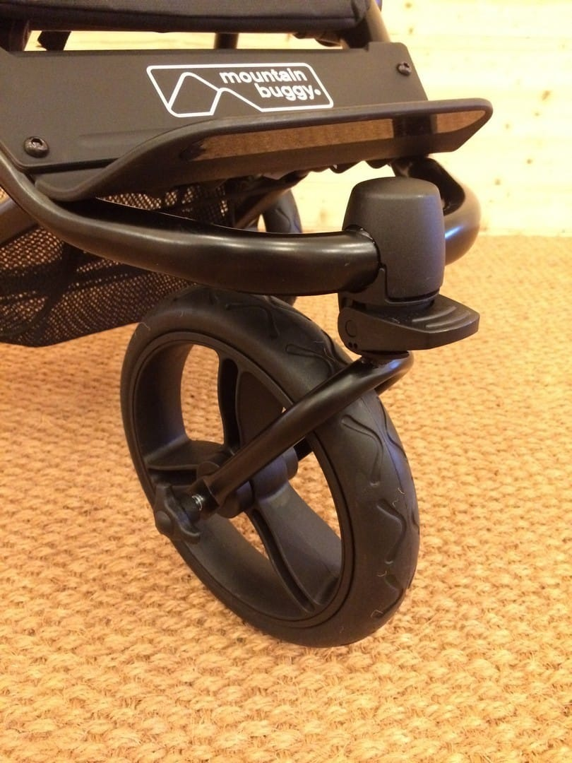 Lockable front wheels of the Mountain Buggy Mini