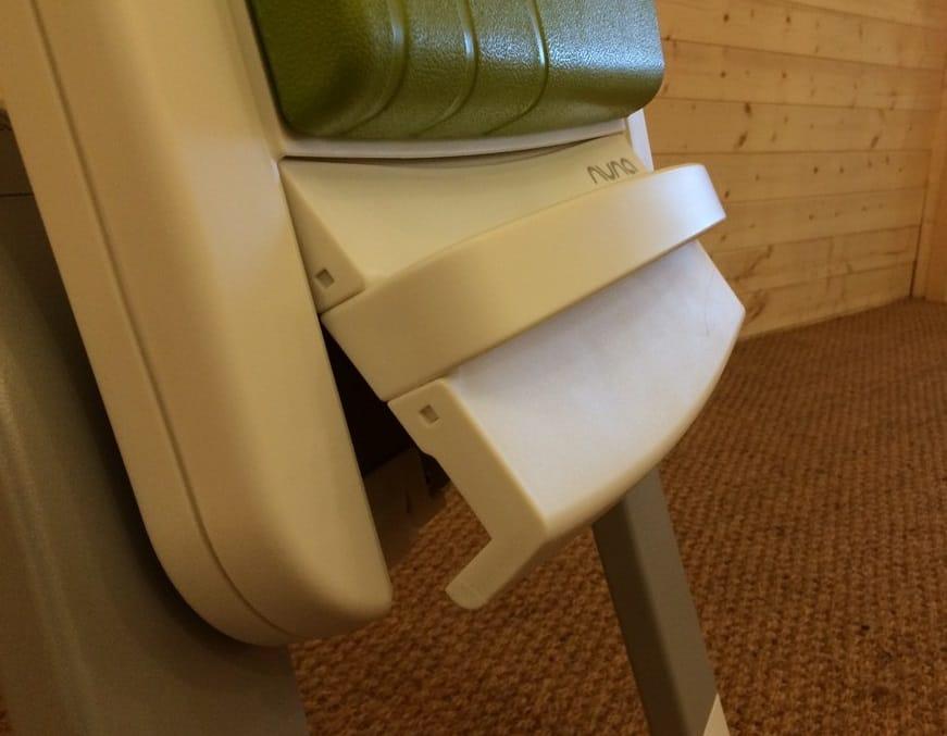 Nuna Zaaz Highchair - Footrest to adjust height of highchair