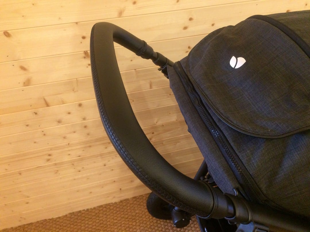The height adjustable handle of the Joie Mytrax Pushchair